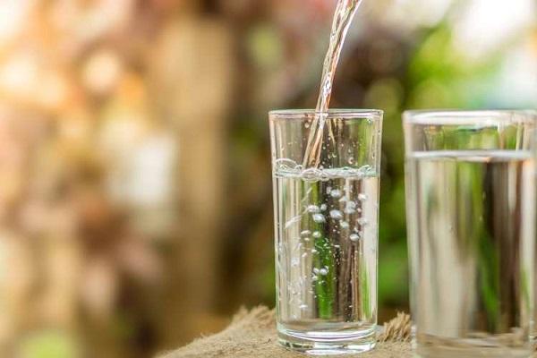 نقش آب در لاغری شکم