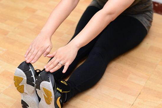 حرکات کششی نیز یک ورزش اصلاحی پای پرانتزی محسوب میشود.