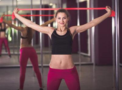 3-کشیدن باند ورزشی و شانه های نامتقارن