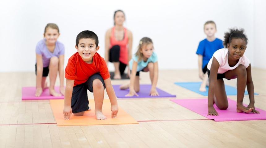 یوگا برای کودکان و نوجوانان چه فواید و اثرات مفیدی را به همراه دارد؟