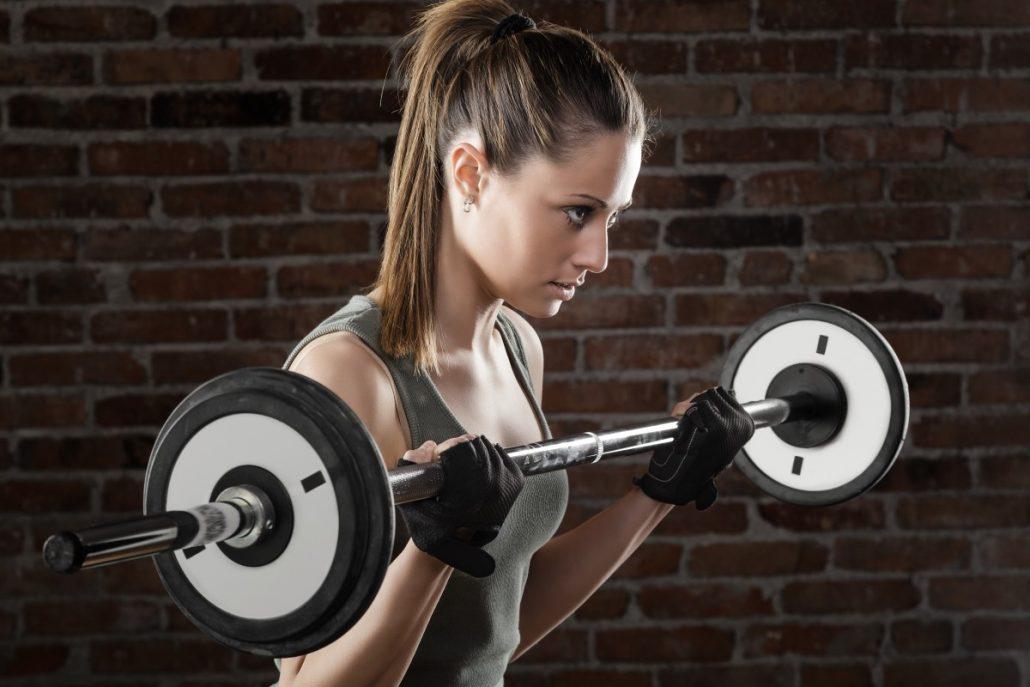 شروع بدنسازی برای افراد چاق با تمرینات قدرتی انجام میشود.