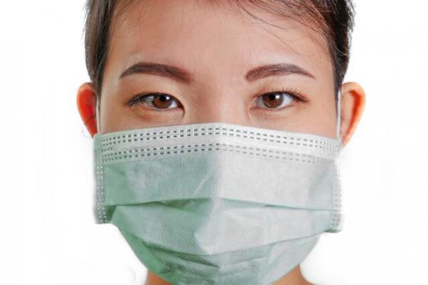 داشتن علائم بیماری کرونا رفتن به بیمارستان را ضروری میکند