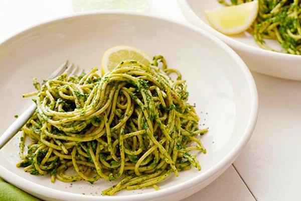 Pistachio-Pesto-Spaghetti