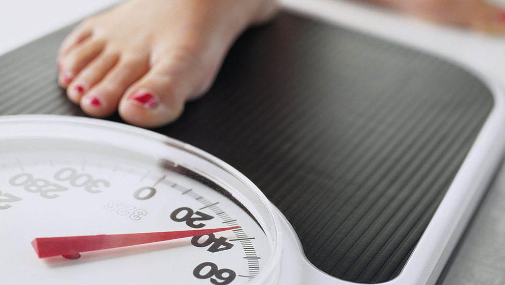 بهترین زمان برای وزن دقیق / علت نوسان وزن در رژیم