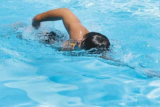 چطوری با شنا لاغر بشیم؟ بهترین نوع شنا برای لاغری