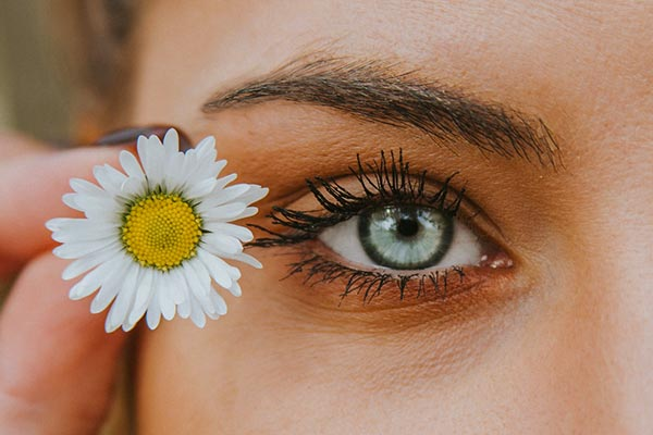 How-is-it-possible-to-change-eye-color