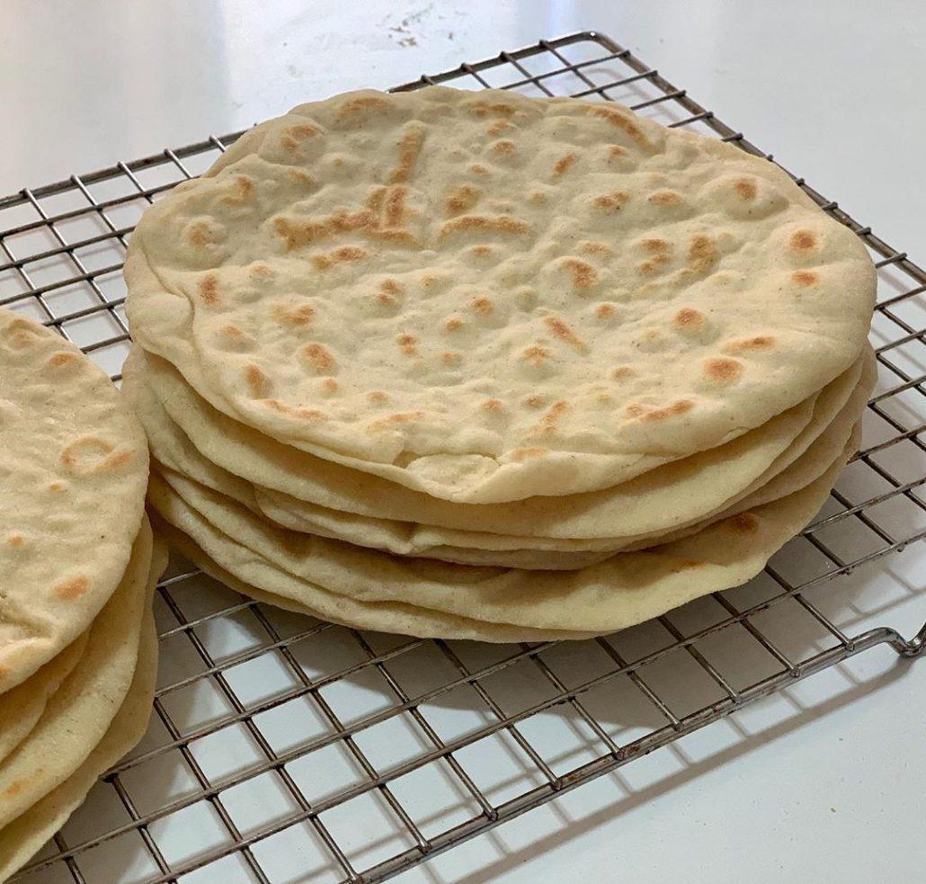 طرز تهیه نان ذرت در تابه