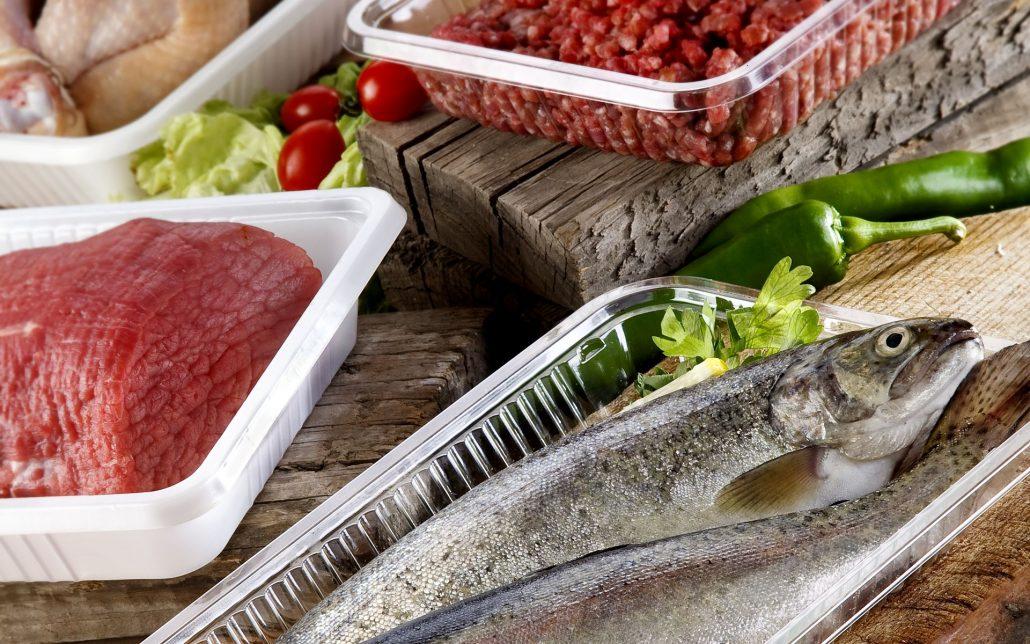 فریز کردن غذاهای پخته و خام یکی از روشهای نگهداری موادغذایی است