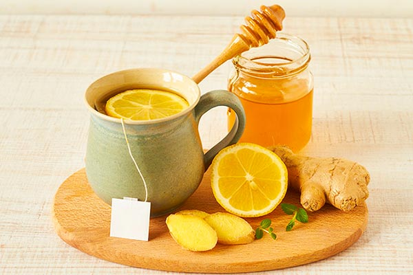 طرز تهیه معجون عسل و لیمو برای سرماخوردگی
