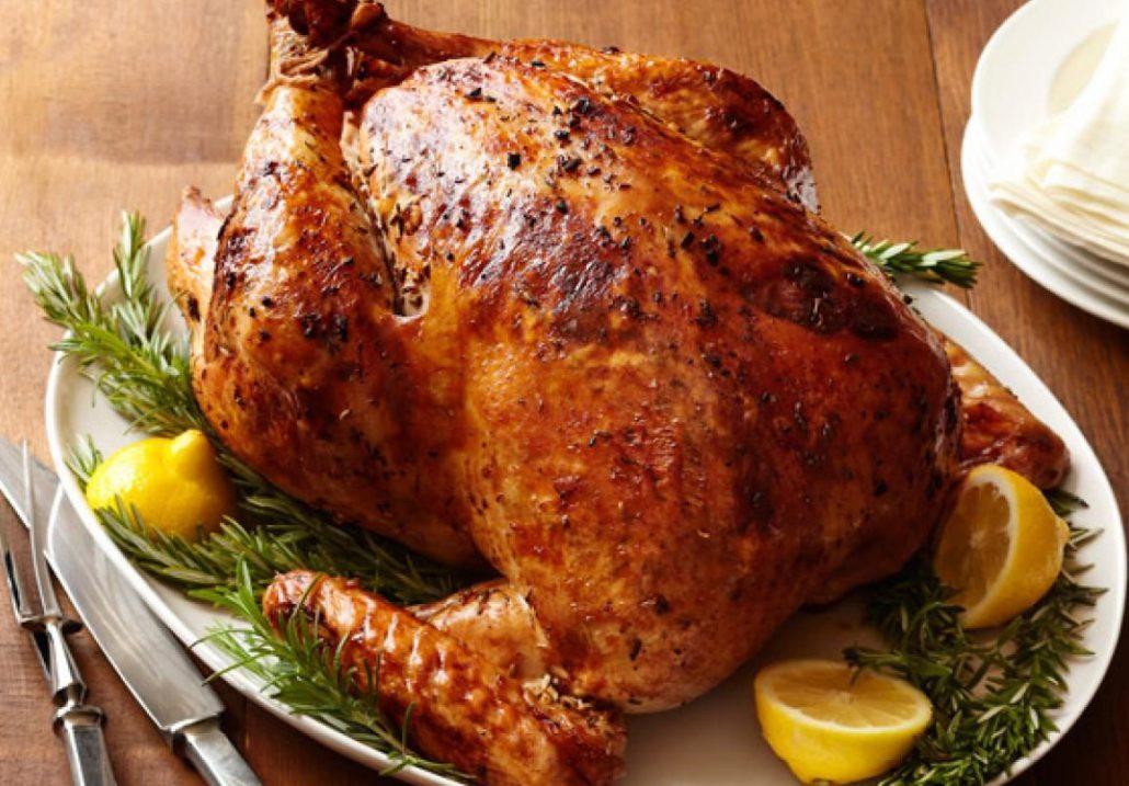 طرز تهیه مرغ شکم پر در قابلمه نمک