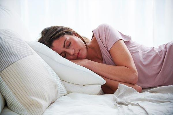خوراکی های مفید برای درمان بی خوابی