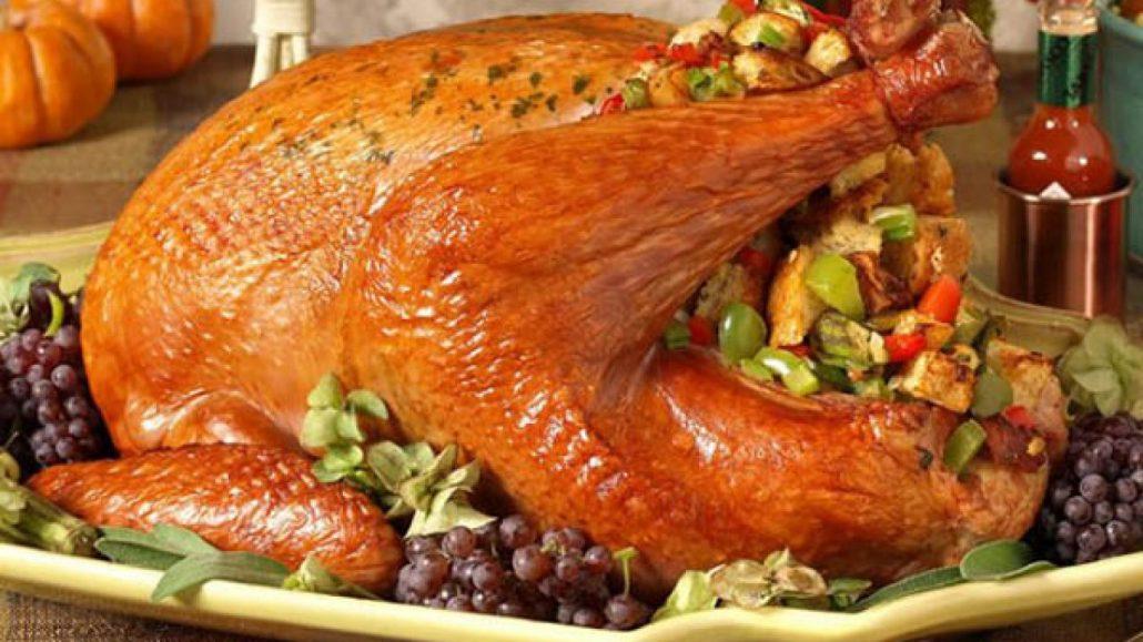مرغ شکم پر در قابلمه با رب انار