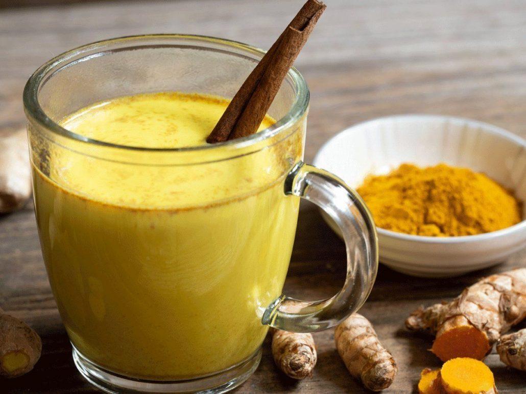 خواص شیر و زردچوبه برای پوست