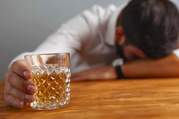 تاثیر الکل بر سکته مغزی