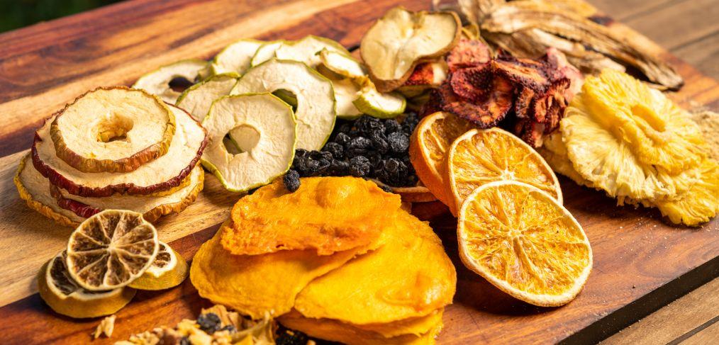 طرز تهیه میوه خشک در فر