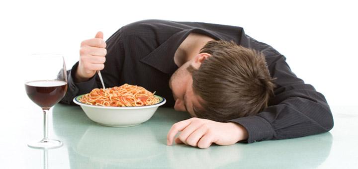 خوابیدن بعد از غذا باعث چاقی میشود