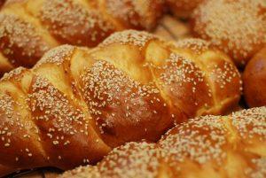 طرز تهیه نان شیرمال شیرین صنعتی در خانه