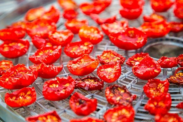 گوجه خشک برای غذا