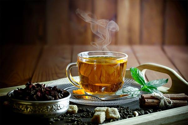 نوشیدن چای سبز و چای اولانگ
