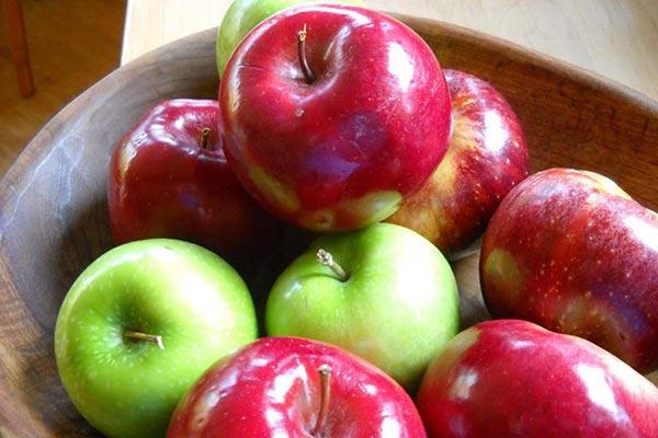 سیب برای رفلاکس معده و هضم غذا