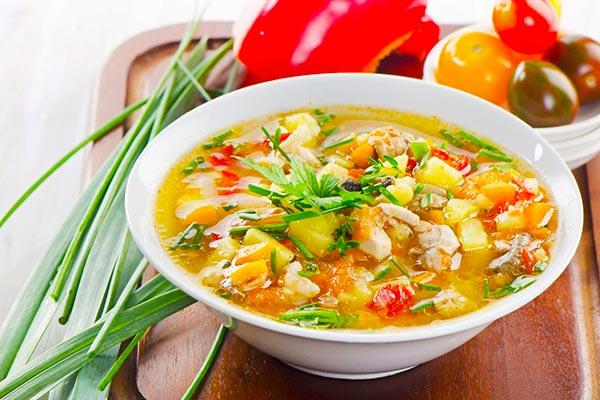 سوپ مرغ و قارچ برای سرماخوردگی